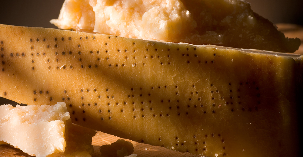 How to recognize Parmigiano Reggiano